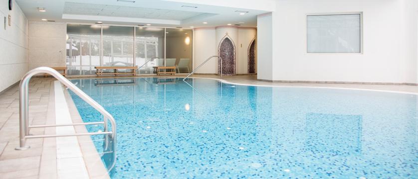 golf-hotel-folgaria-indoor-pool.jpg